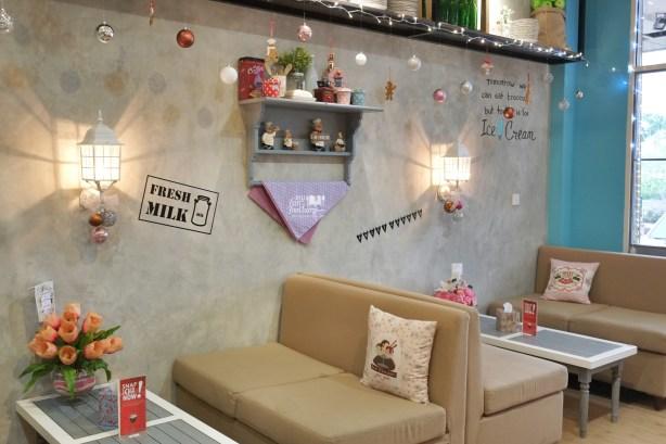 Suasana Sweet Corner Dessert House by Myfunfoodiary 01