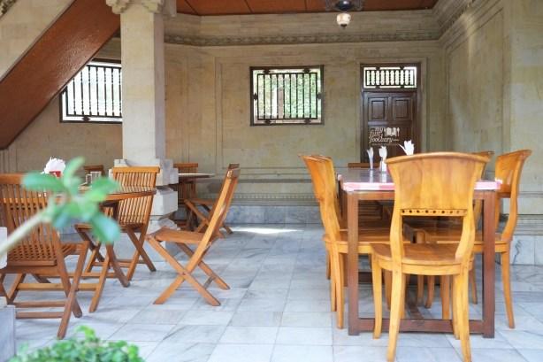Suasana Warung Teges Ubud Bali by Myfunfoodiary