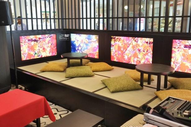 Tatami Area at WakuWaku Cafe by Myfunfoodiary