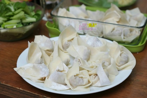 24 pieces of pork wontons by Mullie Myfunfoodiary