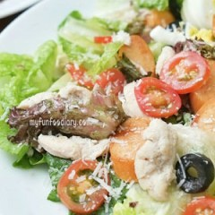 [RECIPE] Chicken and Sausage Caesar Salad with Parmesan Cheese