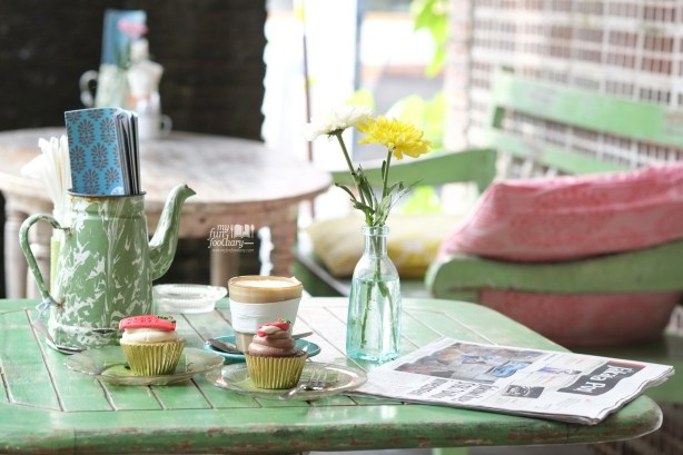 Cupcakes and Coffee at Bungalow Living Cafe Bali by Myfunfoodiary