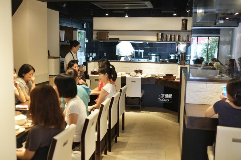 Ambiance Inside Osuri Restaurant in Tokyo Japan by Myfunfoodiary