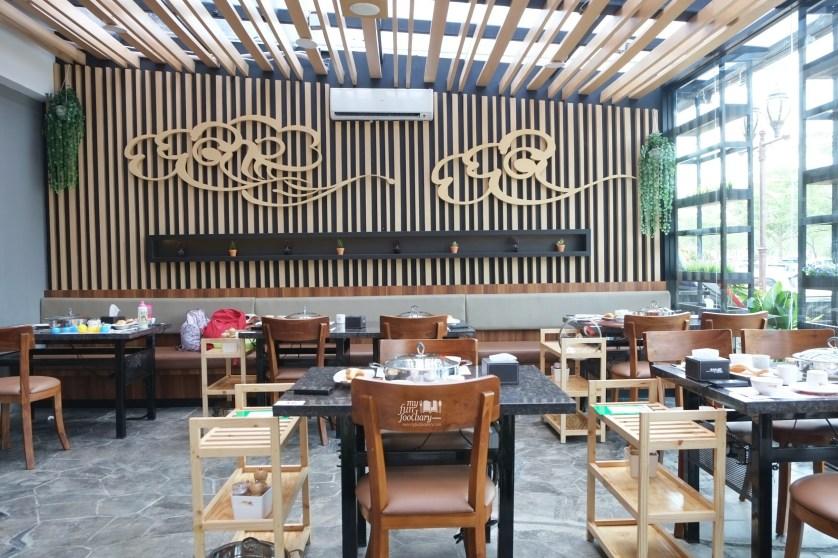 Smoking Area at Huang Ji Huang PIK by Myfunfoodiary 01