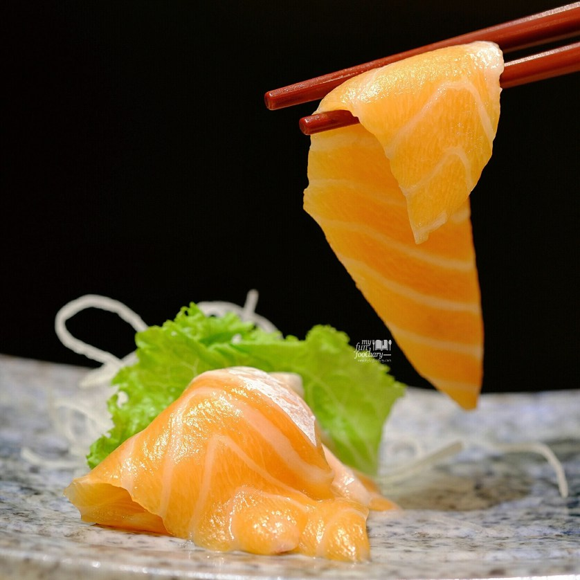 Close Up Fatty Salmon at Itacho Sushi by Myfunfoodiary