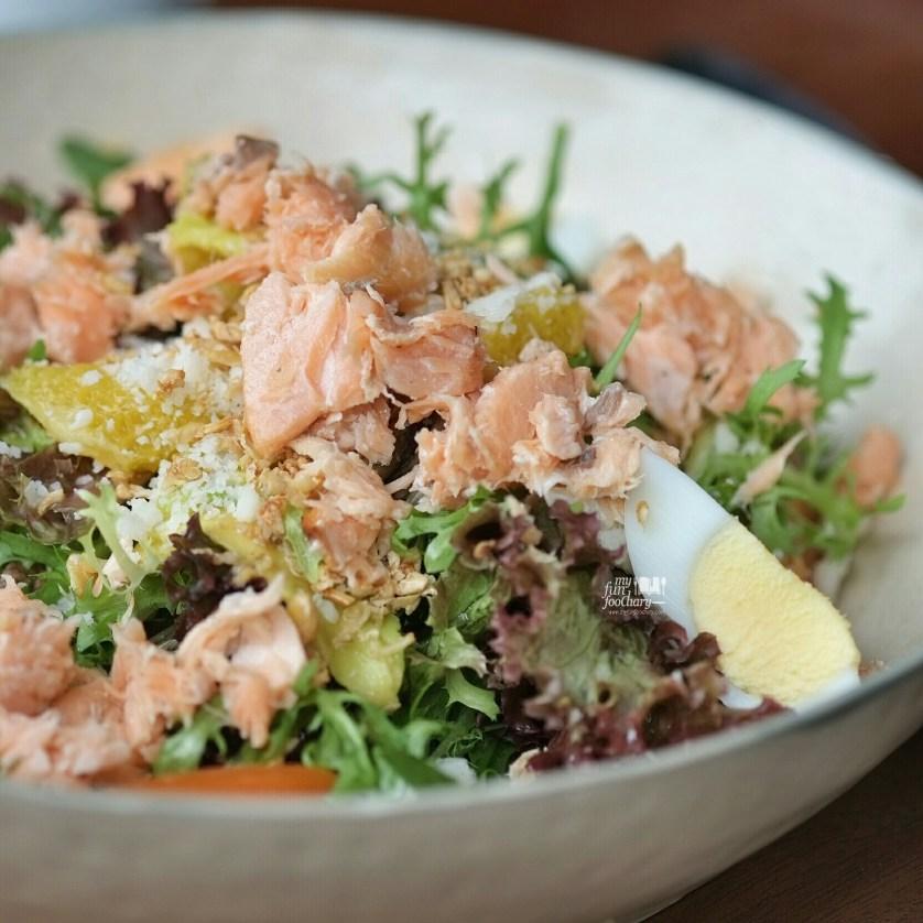 Noahs Salmon Super Salad at Noahs Barn Dayang Sumbi by Myfunfoodiary