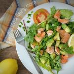 [RECIPE] Pan-Seared Salmon Salad with Lemon Dressing