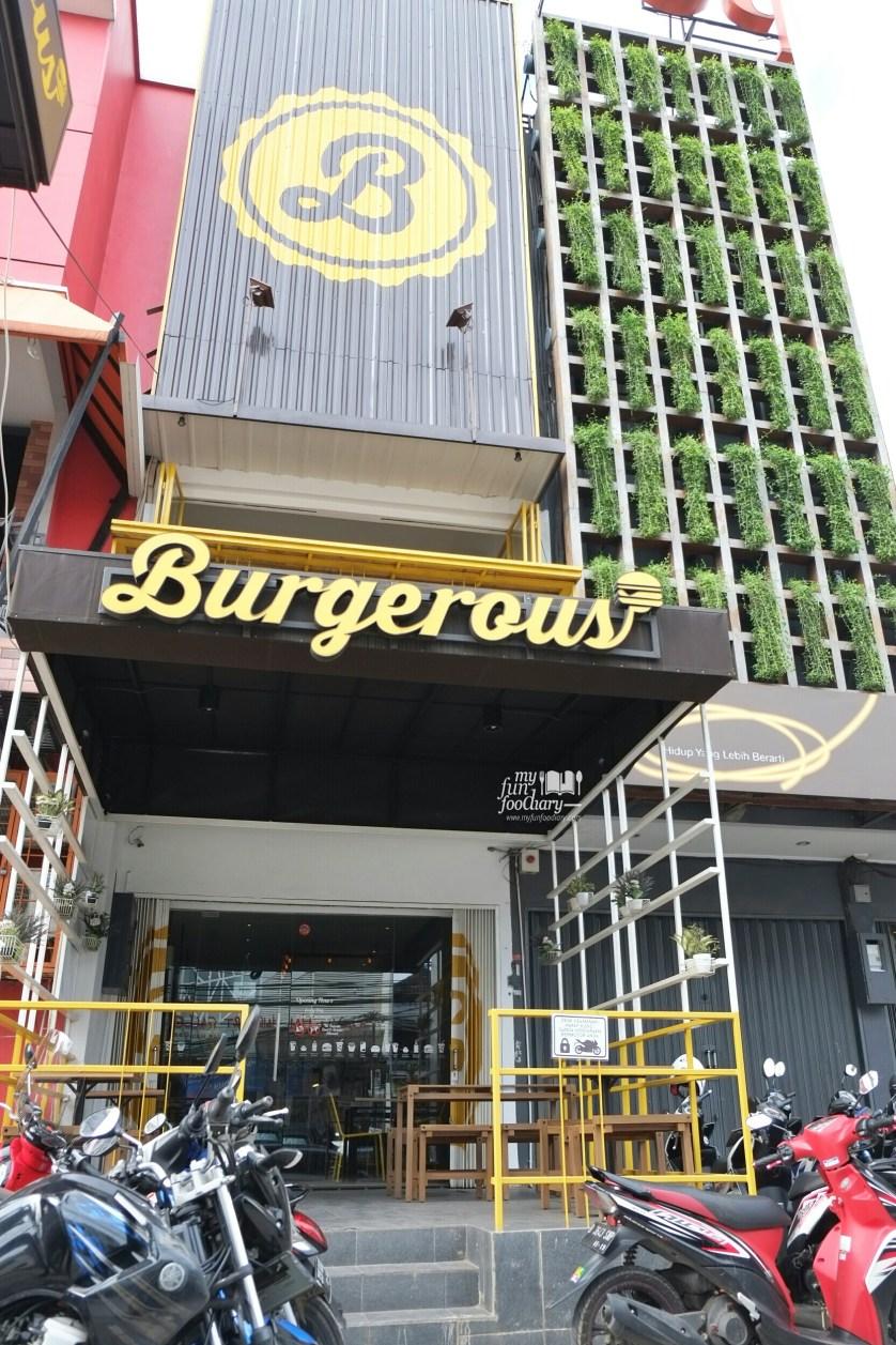 Suasana Burgerous Taman Ratu by Myfunfoodiary 12 (2)