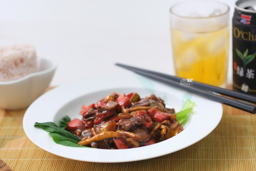 Black Pepper Beef with Mushroom by Mullie Myfunfoodiary
