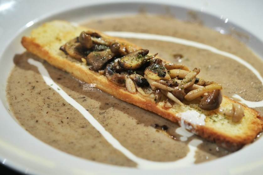 Roasted Mushroom Soup at Commune Bistro and Grill by Myfunfoodiary