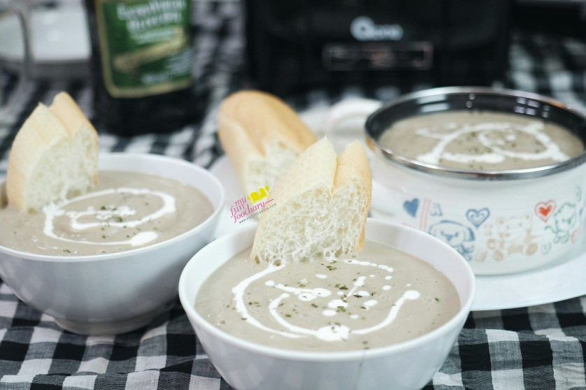 Creamy Mushroom Soup by Mullie Marlina - myfunfoodiary 02