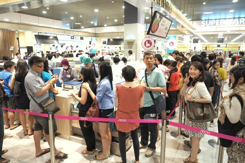 The Crowd at Sushi and Bento Counter AEON Mall by Myfunfoodiary