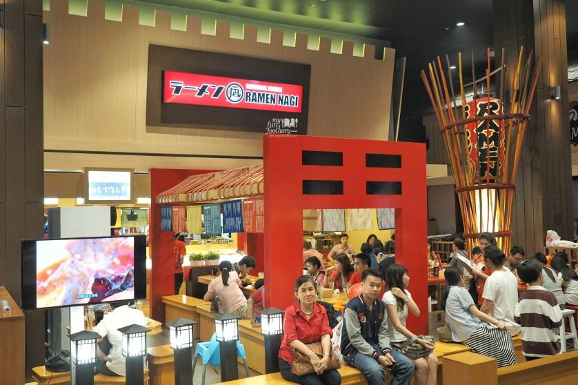 The Crowd at Ramen Nagi at Aeon Mall by Myfunfoodiary