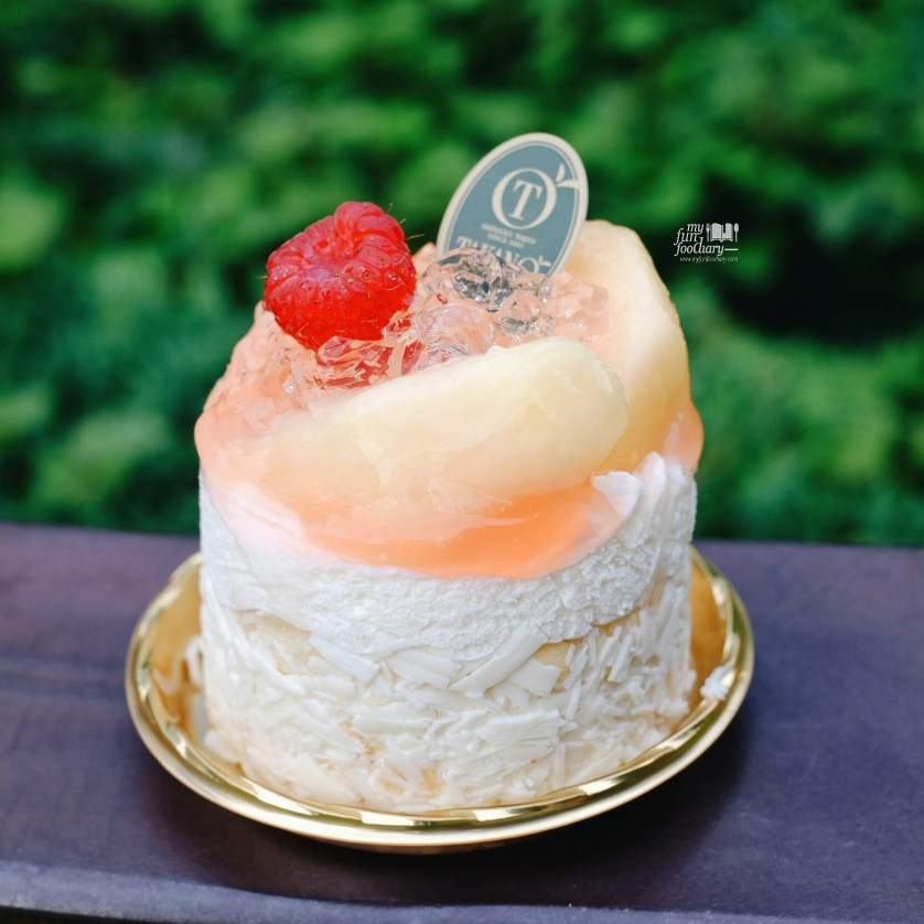 Fresh Peach Cake at Takano Fruit Parlour by Myfunfoodiary
