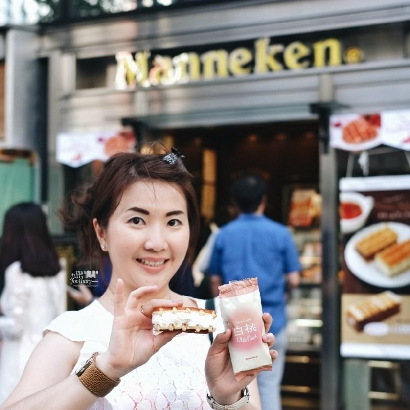 Bought a White Peach Soft Waffle Manneken Waffle at Ginza Tokyo by Myfunfoodiary
