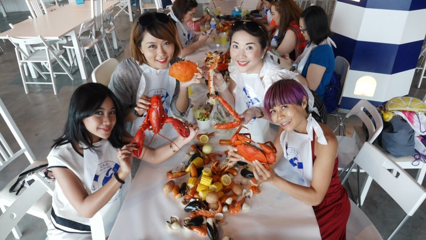 Anisa, Valyn, Me and Becky at the Crab in Da Bag -
