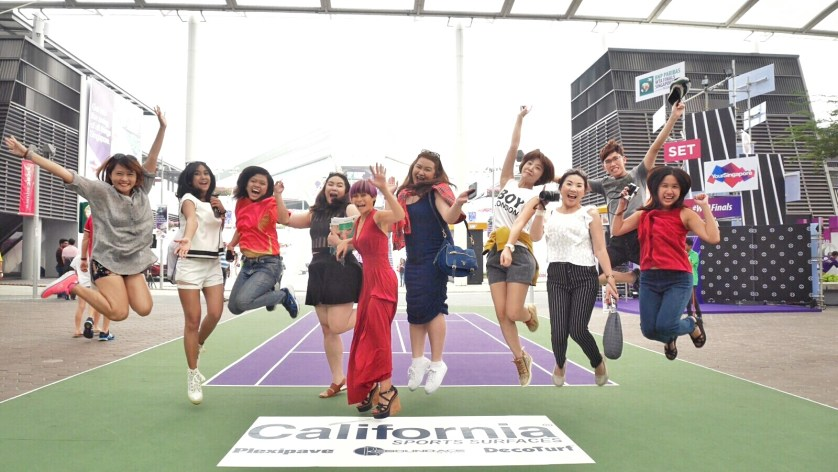 Happy Jump with Anisa and the other bloggers before the match at Singapore Indoor Stadium
