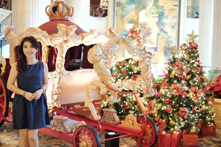 Mullie with beautiful Sleigh Ride at Tower Wing Shangri-La Singapore by Myfunfoodiary
