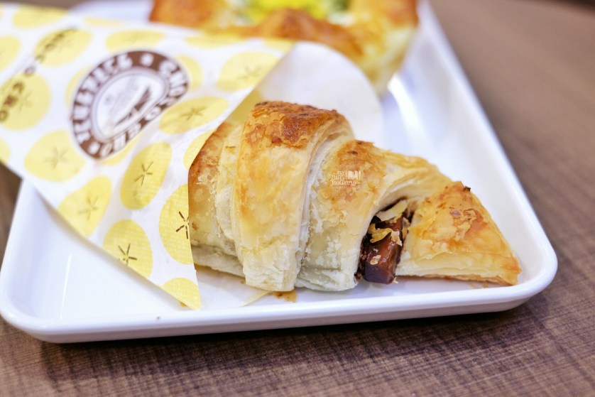 Choco Cro Banana Walnut at St Marc Cafe Jakarta by Myfunfoodiary