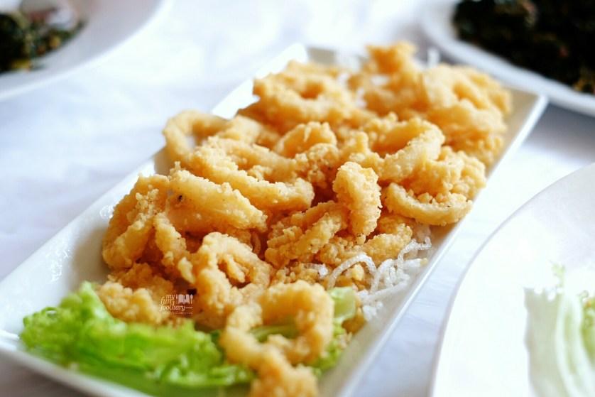 Cumi Goreng Tepung at Layar Seafood Jakarta by Myfunfoodiary