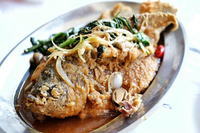 Gurame Goreng ala Layar at Layar Seafood Jakarta by Myfunfoodiary