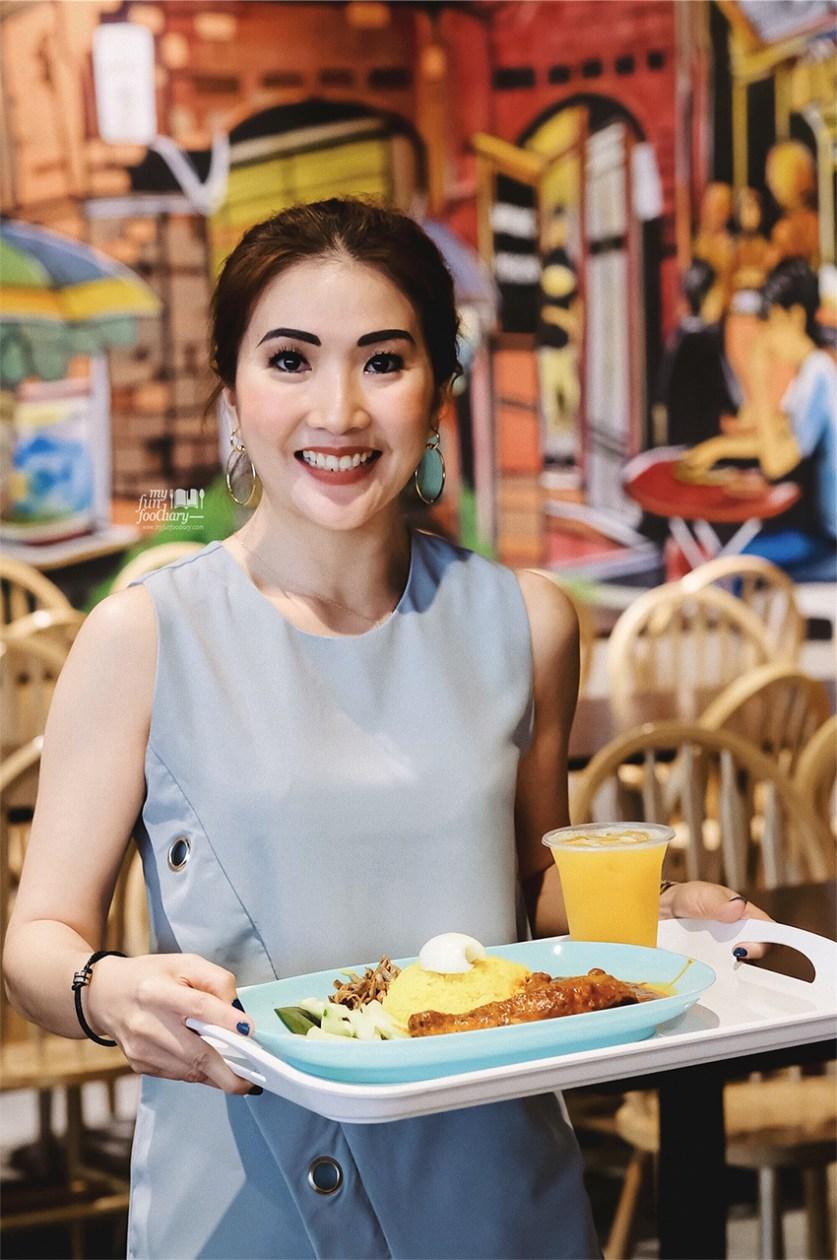 Pretty murals at Jom Makan Street Food Sky Avenue Genting Malaysia by Myfunfoodiary