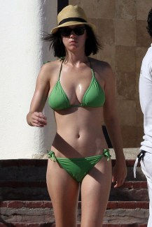 katy-perry-hot-bikini