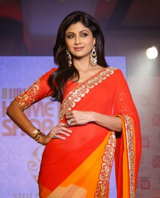 shilpa-shetty-beautiful-saree-stills-4
