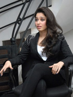 tamanna-bhatia-looks-absoloutely-ravishing-in-black-suit-10