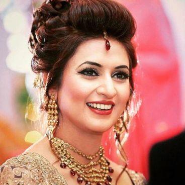 divyanka-tripathi-biography-wiki-dob-height-weight-figure-after-marriage_orig