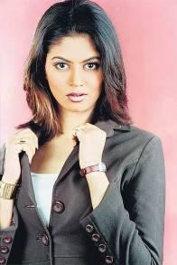 kavita-kaushik-pictures-biography-movies-measurements