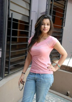 Madhurima Hot Photos in Jeans