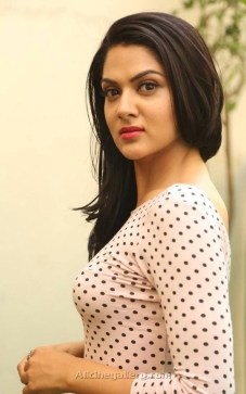 sakshi-chaudhary-new-stills-at-james-bond-press-meet-07