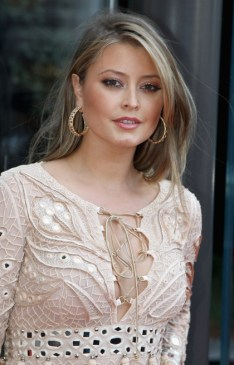 holly-valance-2728x4264-wallpaper_www-wallpapername-com_47