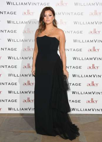 holly-valance-in-long-black-dress-at-williamvintage-private-dinner-05