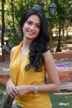 kriti-kharbanda-actress-photos-_35_