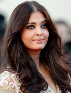Aishwarya-Rai-In-Abu-Jani-and-Sandeep-Khosla-Blood-Ties-Cannes-Film-Festival-Premiere