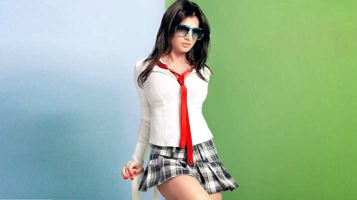 Ameesha Patel Pictures 7