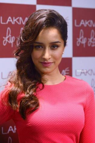 shraddha-kapoor-hot-in-pink-dress-1