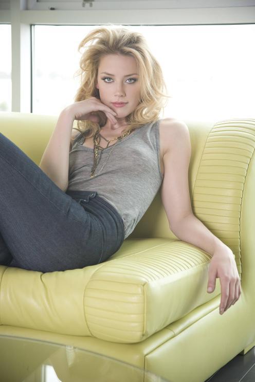 92LzmAH-Amber-Heard-Is-Hot-Photos-s3001x4500-428625