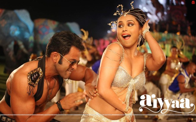 Aiyyaa-Hot-Rani-Mukerji-Prithviraj-Sukumaran-HD-Wallpaper-06