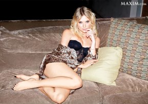 ashley-benson-s1200x853-433817