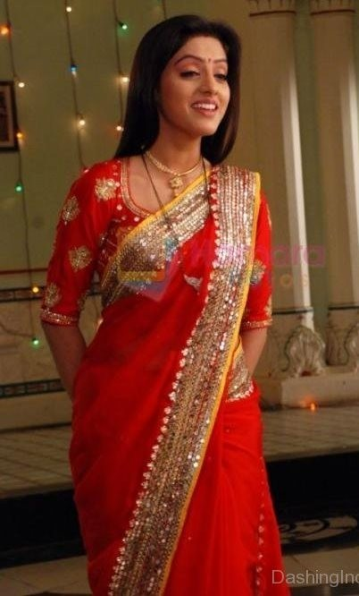Deepika-Singh-In-Red-Saree