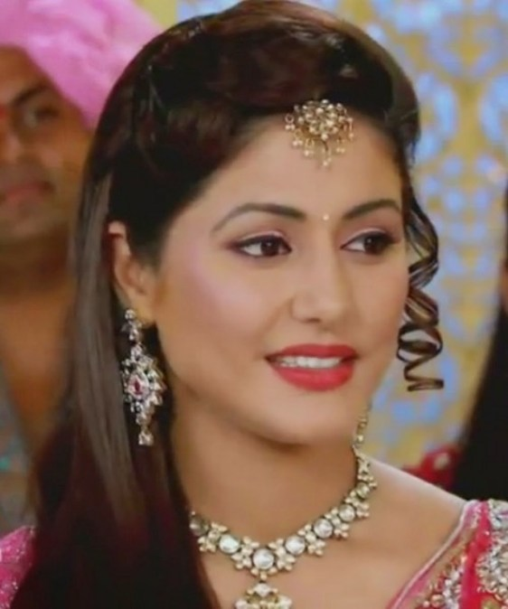 Hina Khan as Akshara HD Wallpapers Free Download13