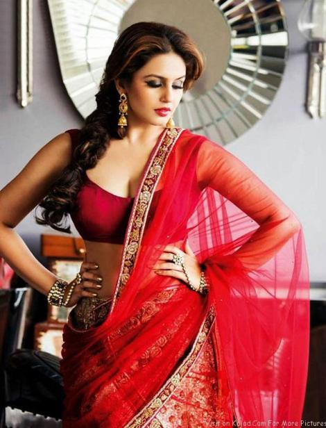 Huma-Qureshi-hot-in-saree