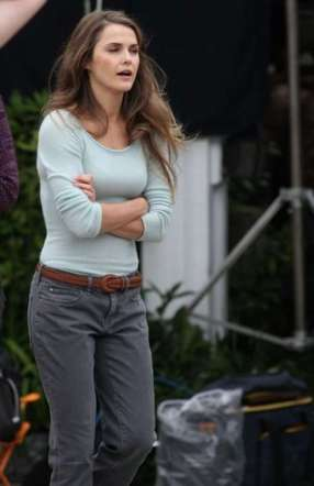 Keri Russell - Hot on set of The Americans in White Plains-05