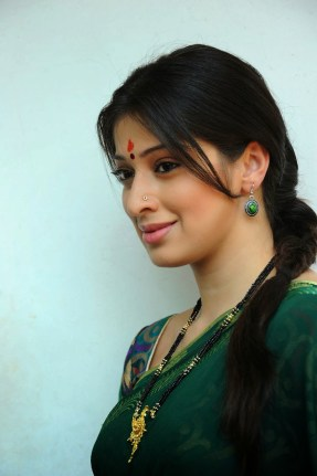 Lakshmi Roy Hot Cute HD Sizzling Cleavage Navel Boobs Images Pictures Photo Shoot Wallpapers Gallery Saree Thighs Exposed 1