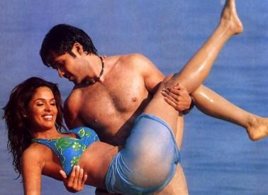 Mallika sherawat bollywood bikini hot (2)