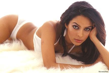 mallika sherawat hot pics in bikini