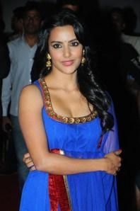Priya_Anand_Exclusive_Hot_Stills (5)
